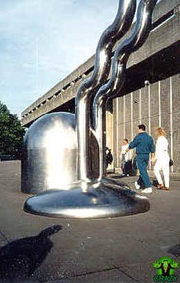 تماثيل ومنحوتات غريبة Wired-sculpture-southbank