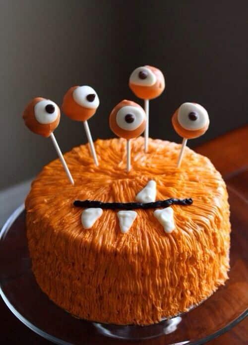 ¡Feliz Cumpleaños Kari! Furry-Monster-Halloween-cake