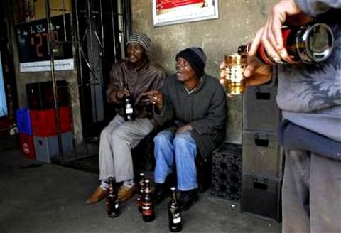 Массовый алкоголизм сближает Нигерию и Россию Niger_alko_rus_02