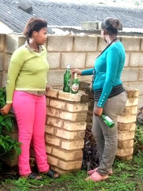Массовый алкоголизм сближает Нигерию и Россию Niger_alko_rus_05