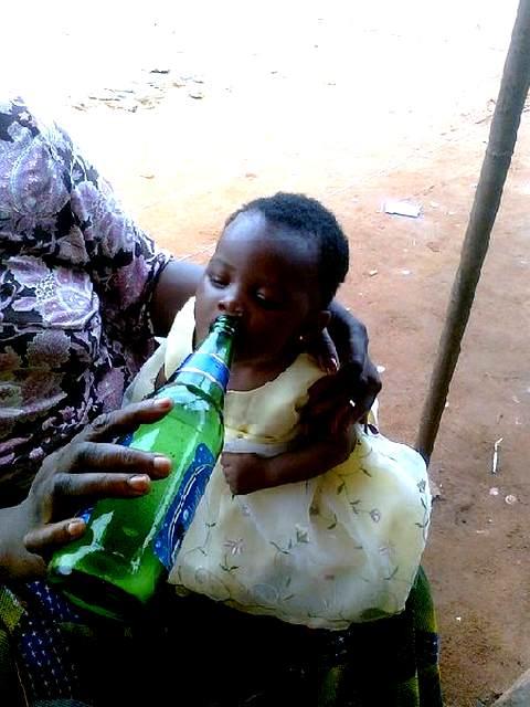 Массовый алкоголизм сближает Нигерию и Россию Niger_alko_rus_06