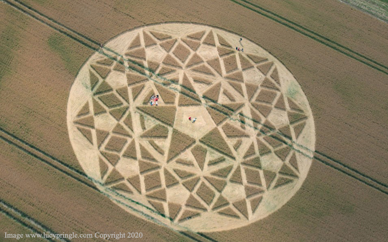 crop circles 2020 - Page 2 Lucy25072020a