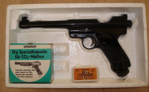 Mes armes Crosman-MarkII-in-the-box-500