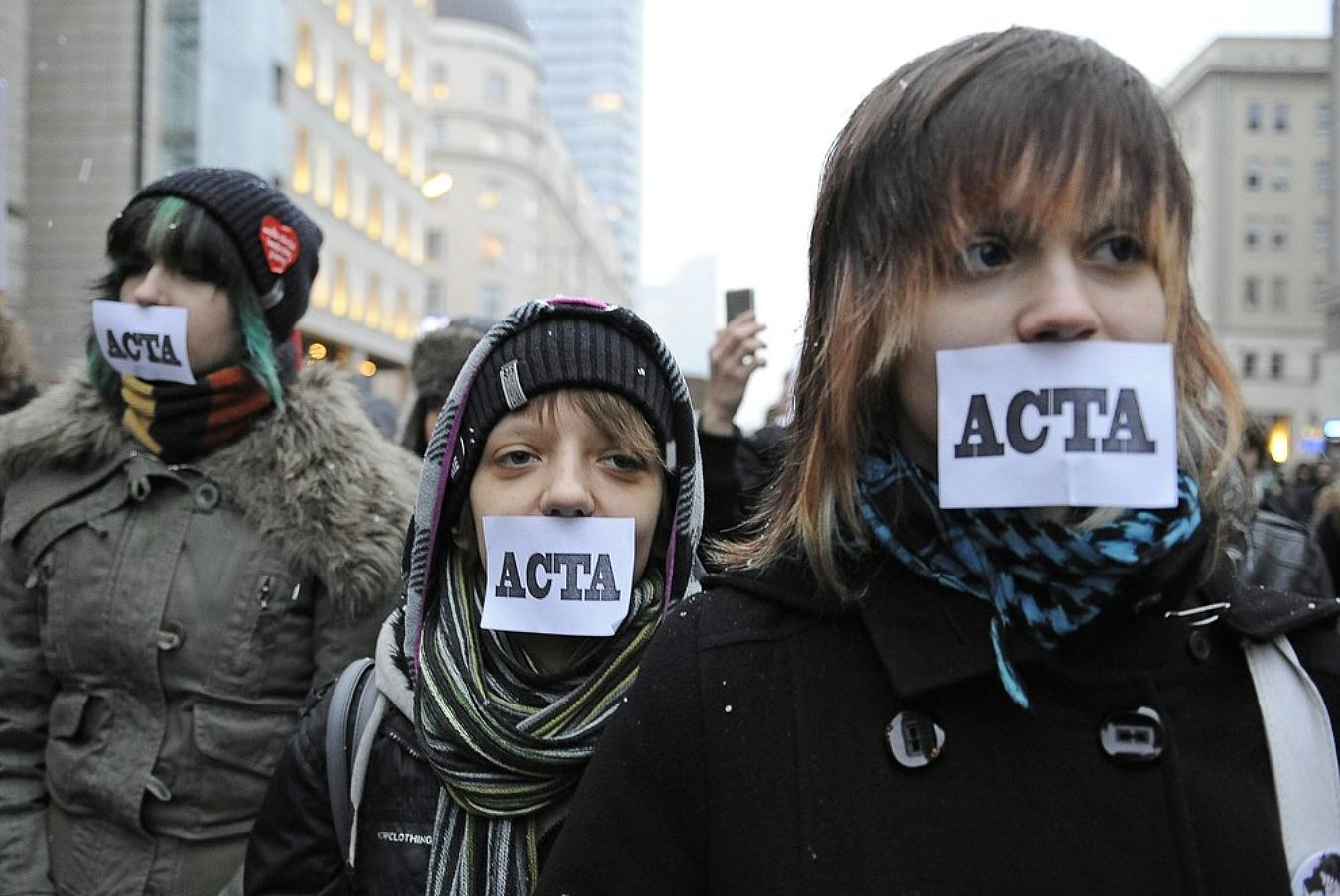 Poljaci ustali protiv cenzure interneta Pict33