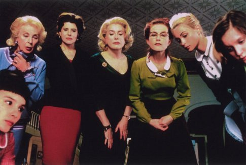 8 женщин / 8 femmes (2002) X_3b5d2b762f