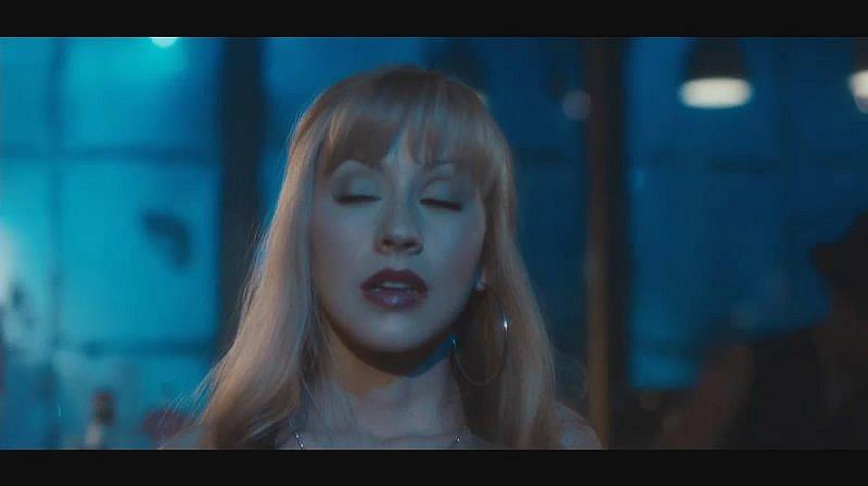 "Topic: Trailer de ""Burlesque"" Y_9cb01d82"