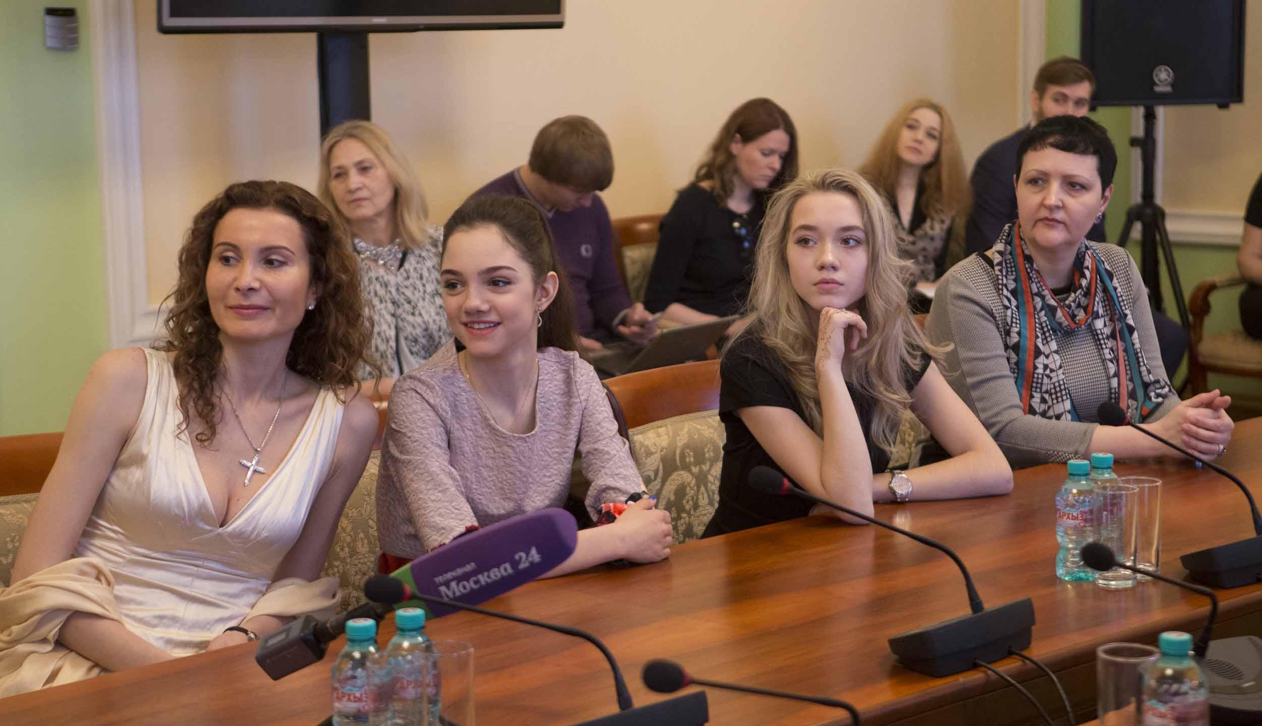 Евгения Медведева - 2 - Страница 4 Gallery_570d0ff027b29