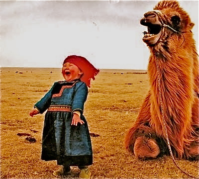 Camel - Página 4 Laughing_girl_and_camel