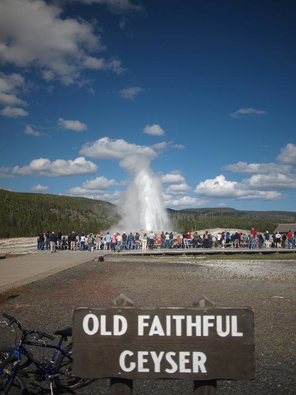 [USA - 3] Cross Country - Yellowstone 20120611_1952