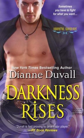Immortal Guardians - Tome 4 : Darkness Rises de Dianne Duvall 16101233