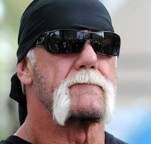 A quoi resemble un collectionneur de ZIPPO ? - Page 12 Hulk-hogan