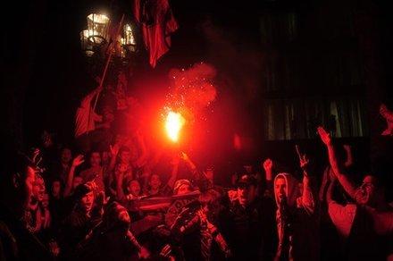 صور الاحتفالات من ارض الملعب ومن ساحة كاناليتس  Ap-201105111552571750648