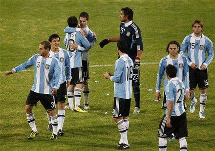 صور لقاء الأرجنتين Vs كوستاريكا Ap-201107112211799014064