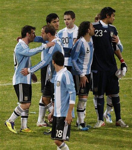 صور لقاء الأرجنتين Vs كوستاريكا Ap-201107112215801464072