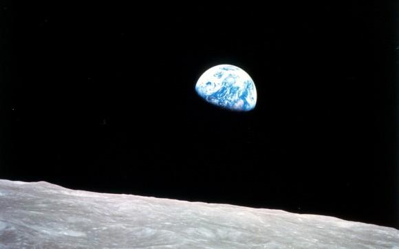 la Terre et la Lune auraient 60 millions d'années de plus sue nous le pensions Earthrise-as-seen-from-Apollo-8-580x362