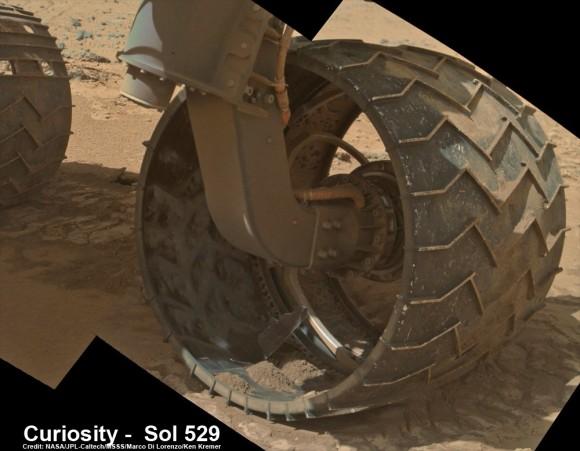 Misiuni ale unor nave de cercetare - Pagina 3 Curiosity-Sol-529_2Da_underbelly_Ken-Kremer--580x451