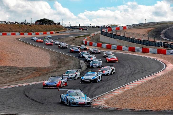Championnat de France des circuits - FFSA GT et autres courses de support - Page 10 10397084_791660037592193_1297159407833719172_o-728x485