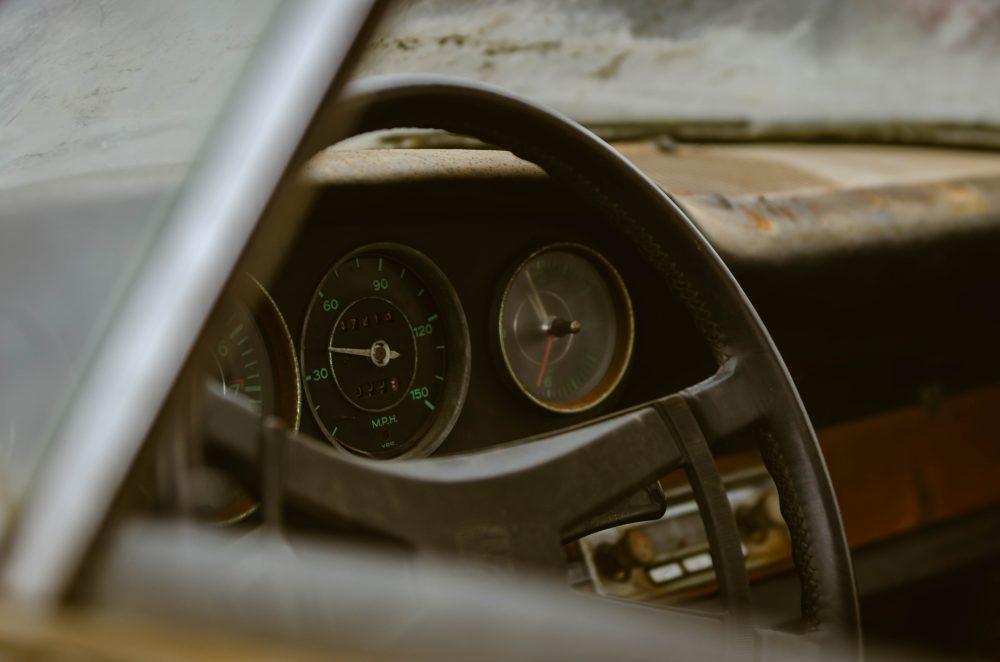 Photos de Porsche à restaurer - Page 39 An-oil-leak-sidelined-this-porsche-911-barn-find-for-40-years-1476934481667-1000x662