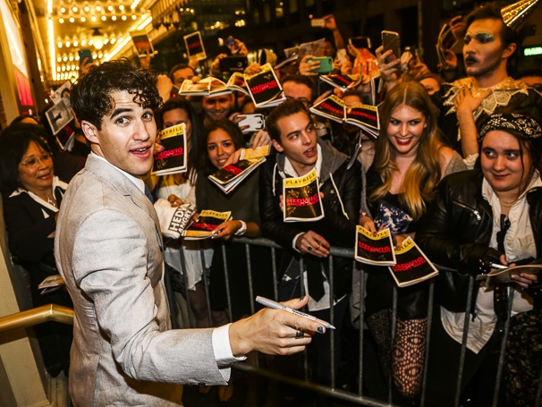 darrenishedwig - Pics and gifs of Darren in Hedwig and the Angry Inch on Broadway. 10.210680