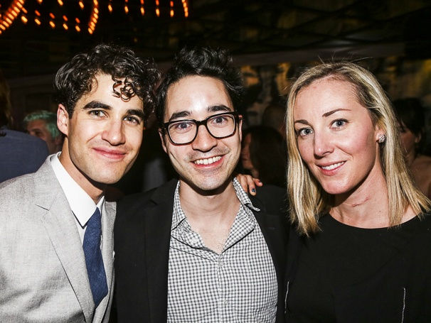 hedwig - Pics and gifs of Darren in Hedwig and the Angry Inch on Broadway. 10.210684