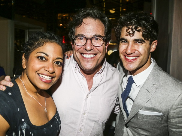 hedwig - Pics and gifs of Darren in Hedwig and the Angry Inch on Broadway. 9.210676