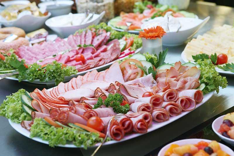 Маленький столик за углом - Том VI - Страница 2 Deli-platter-buffet