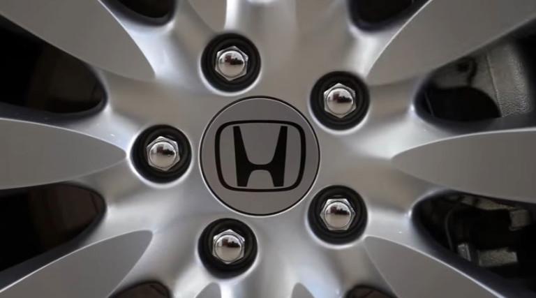 Honda dévoile NeuV, son concept car électrique capable d'interagir avec son conducteur ! Par Justine Manchuelle                        Honva-neuv-jantes-768x427