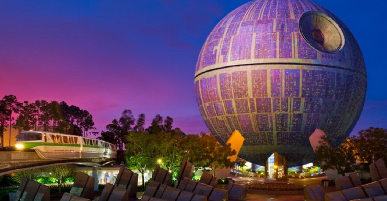 Pour la sortie du nouveau Star Wars, Disney transforme une attraction en immense Étoile noire ! Par Corentine Sys                                     Une-starwars