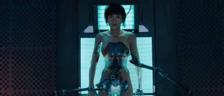 3 raisons d'aller voir Ghost in the Shell, l'adaptation tant attendue du manga culte !                  GITS-scarlett-cyborg-768x329