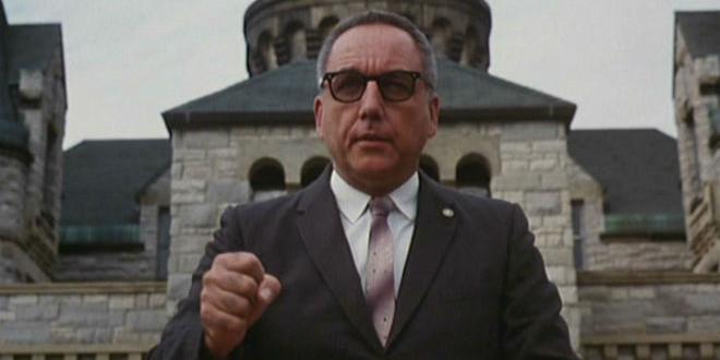 El futuro ya es el presente. Shawshank-redemption-warden-evil-660x360-660x330