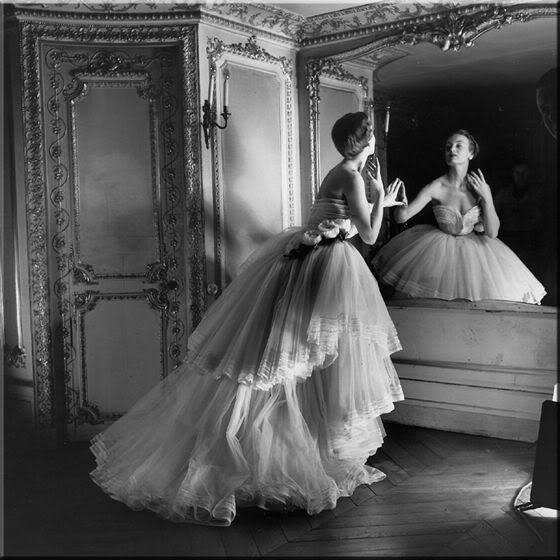 U ogledalu Photography-ballgown