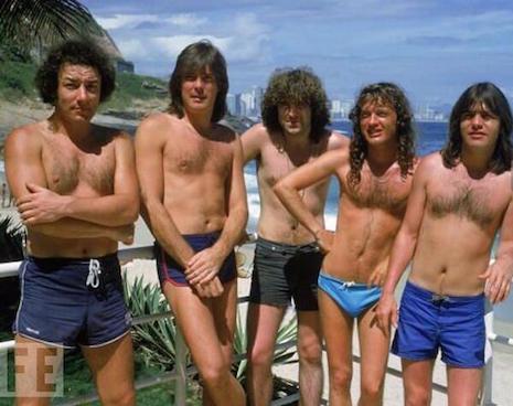 Tus fotos favoritas de los dioses del rock, o algo - Página 3 Acdebeach8uraoeuflkadsfuqefaslkdjfalsdfaef