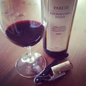 Semaine du 5 juin 2016 - Page 2 Parker-Coonawarra-Estate-Terra-Rossa-First-Growth-Coonawarra-2001_300