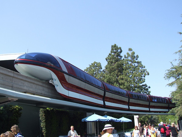 [Disneyland Park] Nouveaux Monorails 283538963_RkFJG-M