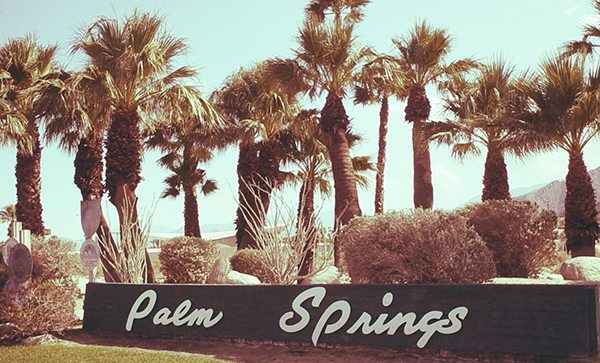 Hiddens Palms (Réel) Retro-palm-springs-sign