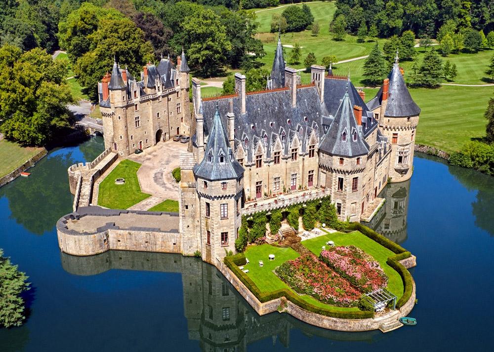 peut-on être chrétien et voter fn ?  Chateau-de-la-loire-1000-pieces--puzzle.44946-1.fs