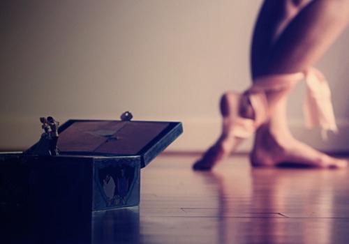 Ples,muzika igra - Page 2 Ballet-box-dance-dancer-music-music-box-Favim.com-100433_large