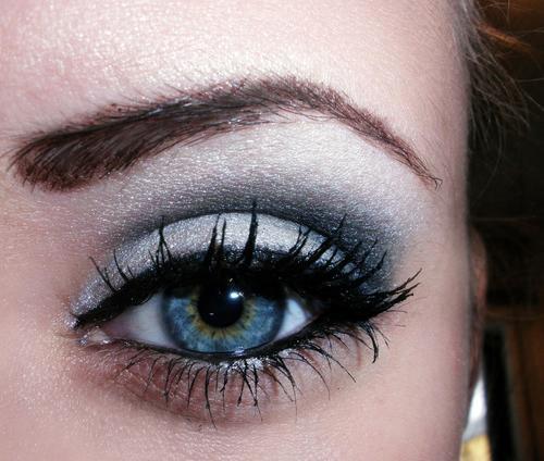 Make up and Nail up 29djuvr_large