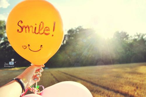 ♥ادخل للمنتدى مبتسم Smile اتاكد راح ترتاح وانت هنا♥♥ ضع بصمتك مبتسم ♥♥ Balloon-photography-smile-yellow-Favim.com-183997_large