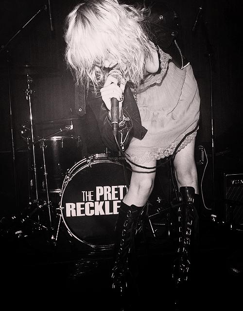 Tabby * Sexe, Drogue and Rock'n'roll Tumblr_ltfsttA7oO1qgp2ieo1_500_large