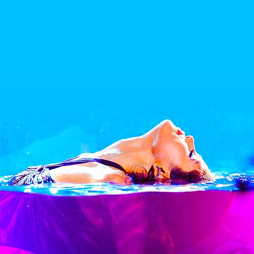 Selena Gomez ⇨ Noticias Generales - Página 19 Tumblr_lvweunN3OD1qk1p9jo1_500_large