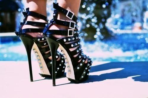 visoke potpetice... - Page 5 Black-feet-girl-high-heels-legs-Favim.com-305985_large