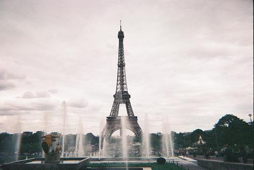 Paris city of love Tumblr_m06dw55Ms41rpql5vo1_500_large