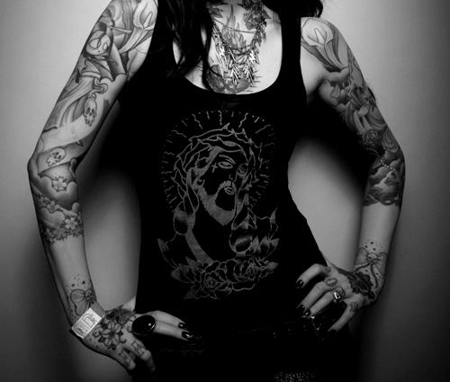Par tetovējumiem - Page 4 Tumblr_lyxhsuuSwi1qigj88o1_500_large