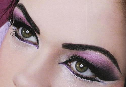 Make up and Nail up - Page 4 532595_187085308075307_114555908661581_301630_718287657_n_large