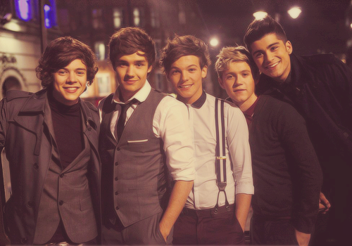 One Direction. - Page 40 Auwt6vJCAAAgPOQ_large