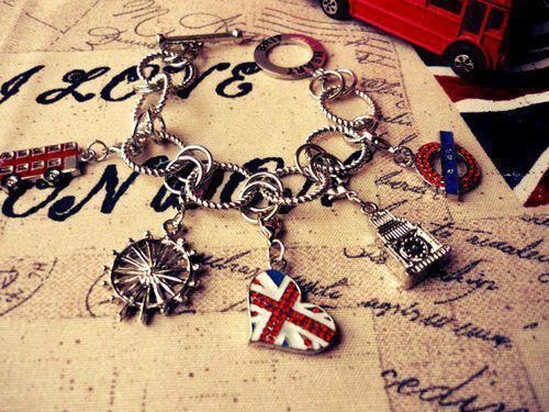 . London . Tumblr_m92kbw53cR1ryhf8co1_500_large