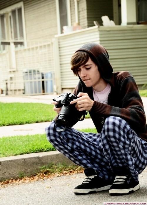 ไปเดินถ่ายรูป Cute-emo-boy-hot-dp-stylish-beauty_large