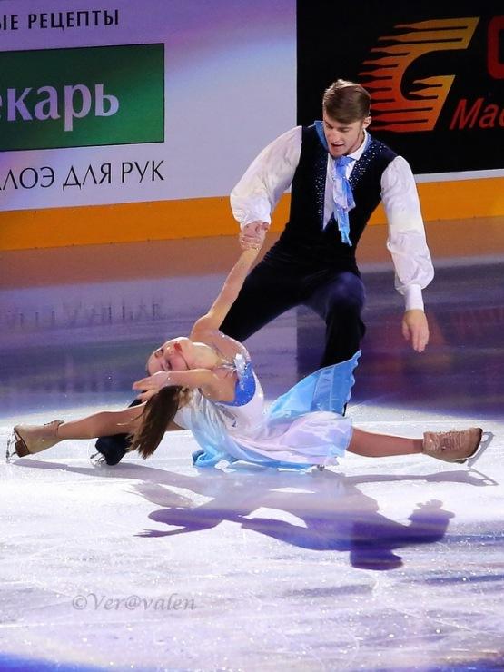 Кристина Астахова-Алексей Рогонов 339860-0ca47-83926927-m750x740-ufff5a