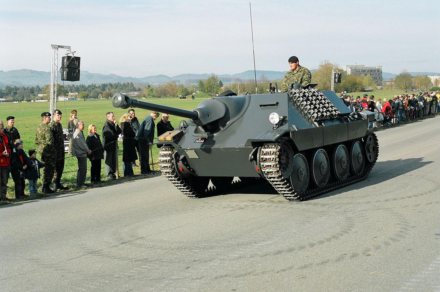 Hetzer G-13 Thun_steel-parade_2005_07_of_56